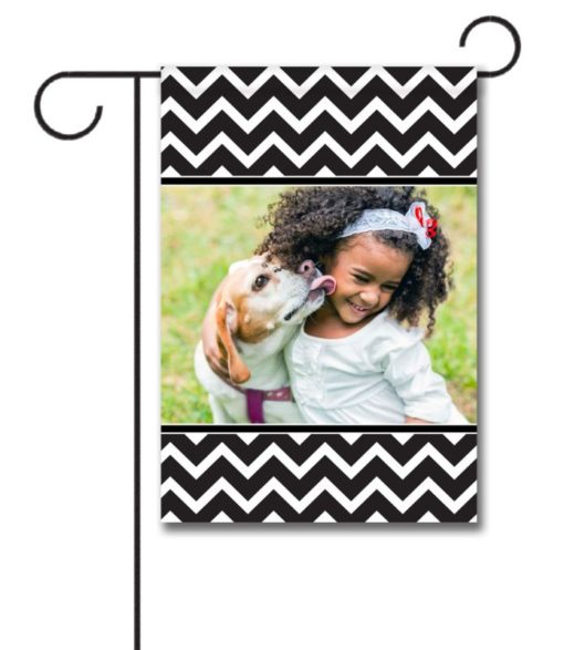 Chevron - Black & White  - Photo Garden Flag - 12.5'' x 18''
