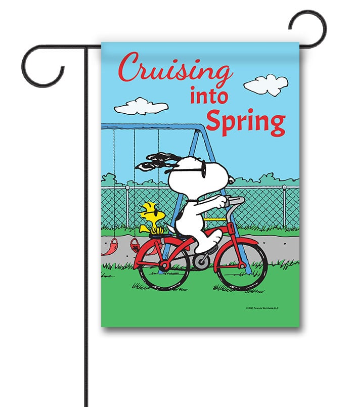 PNT2541 Peanuts Snoopy and Woodstock Spring Garden Flag